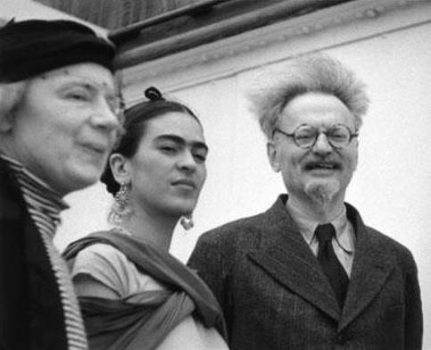 Los Trotsky y Frida en Coyoacán