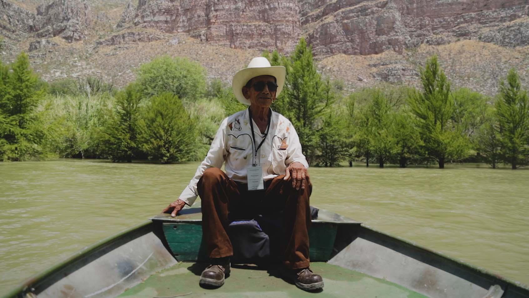 Don Julio es el defensor del oasis en el desierto de Durango