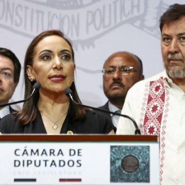 Noroña llama 'bocona' a diputada panista Adriana Dávila