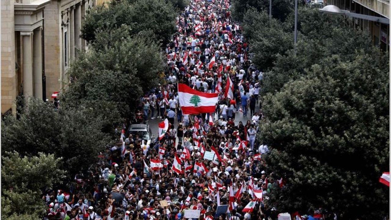 21/10/19 protestas-líbano-impuestos-whatsapp/ protestas Beirut