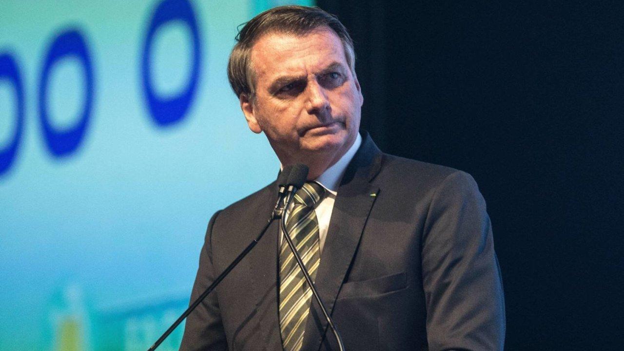 Denuncian a Bolsonaro por incitar al genocidio indígena.
