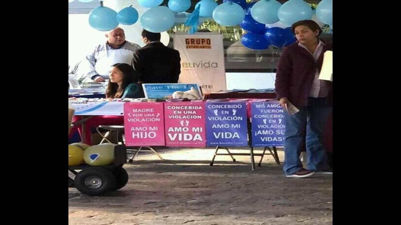 6/11/19violación-frente-familia-Puebla/ stand