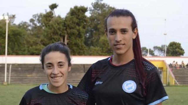 Futbolista trans firmó con el Club de la Primera división de Argentina Femenil