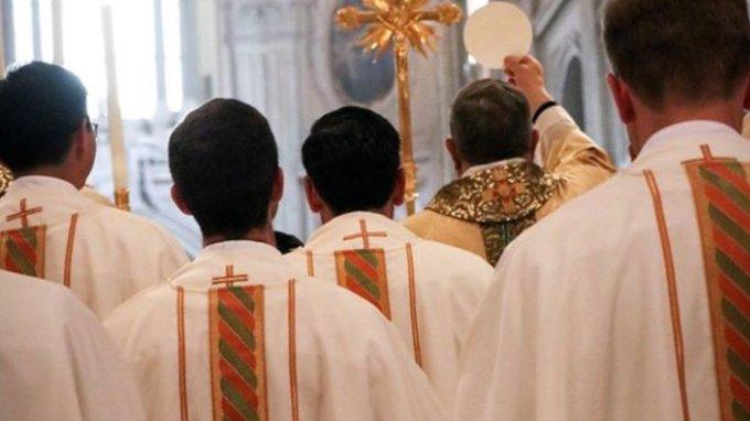 Niñas de 6 y 9 años eran violadas por Legionarios de Cristo