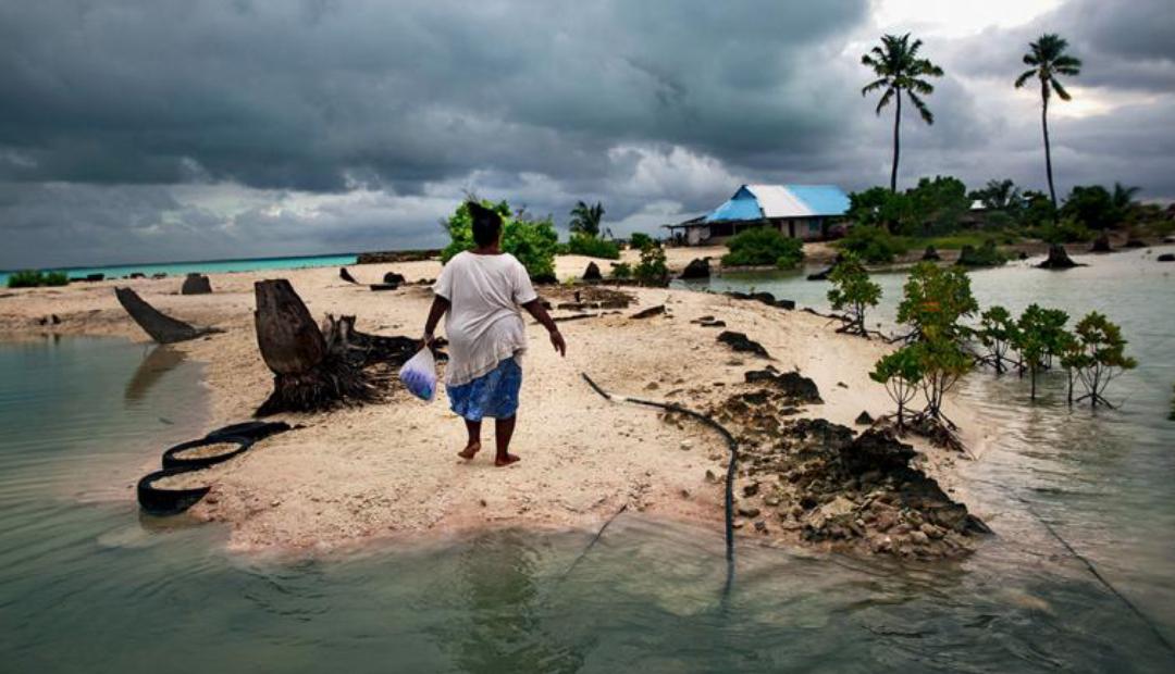 Kiribati: país sobrepoblado que podría desaparecer si sube el nivel mar.
