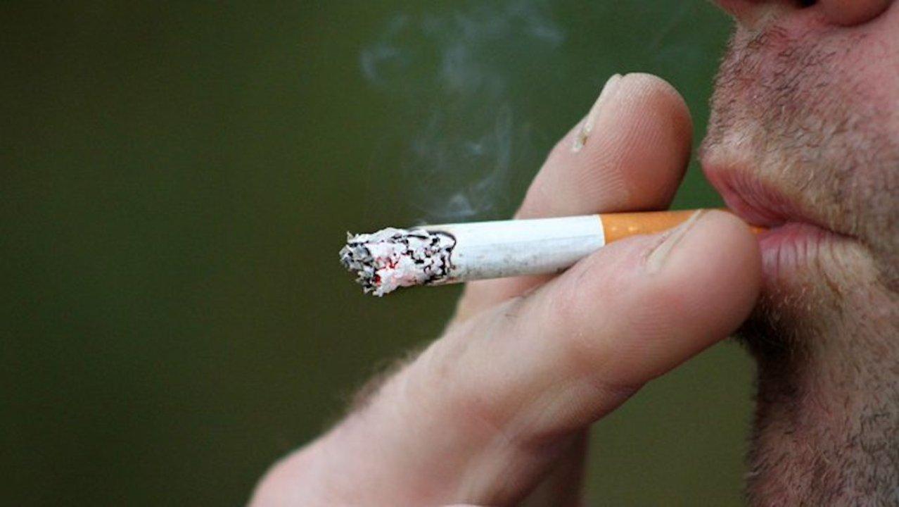 Empresario dio 4 días de vacaciones a empleados que no fumen