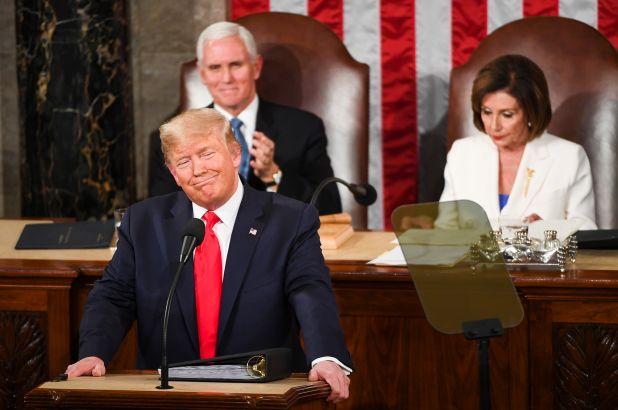 El 44% de los estadounidenses no está de acuerdo con la absolución de Trump en su impeachment.