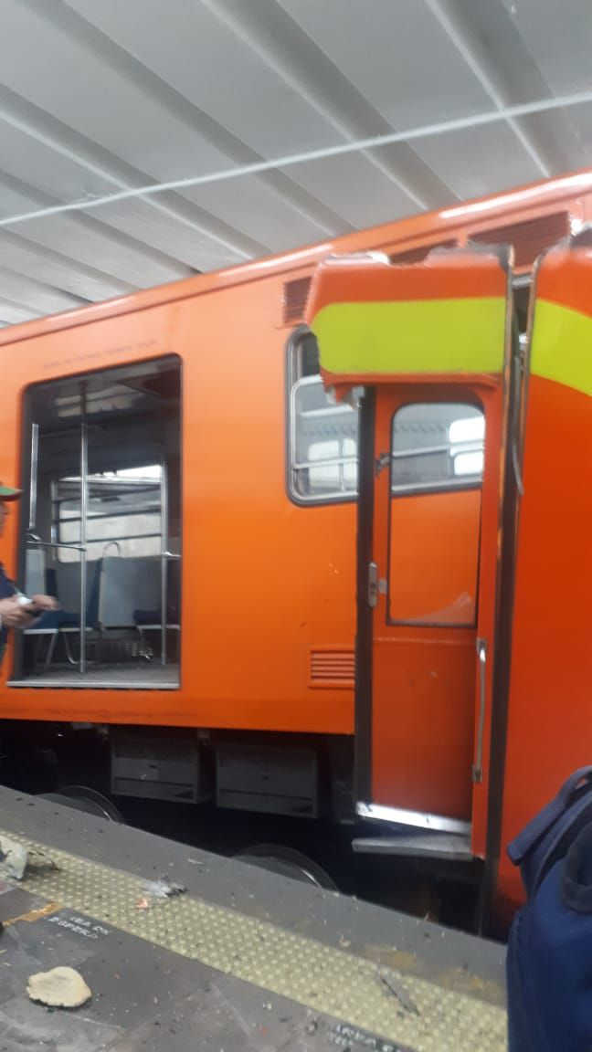 Tacubaya, Metro, Choque, Trenes
