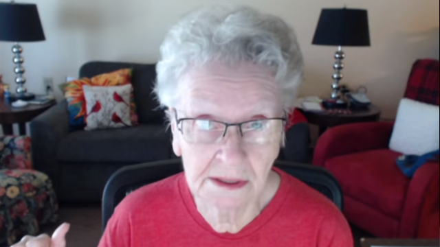 abuela-skyrim-shirley-curry-youtube-comentarios-hirientes