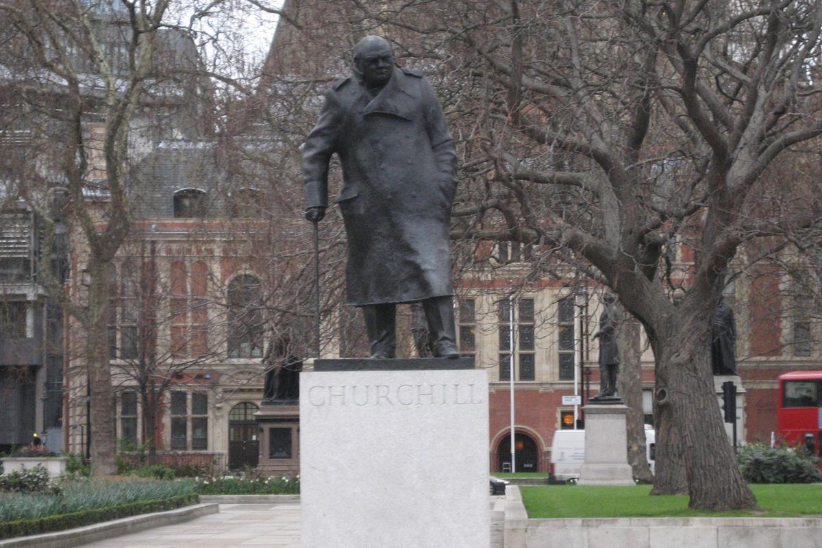 estatua-winston-churchill-racismo-londres