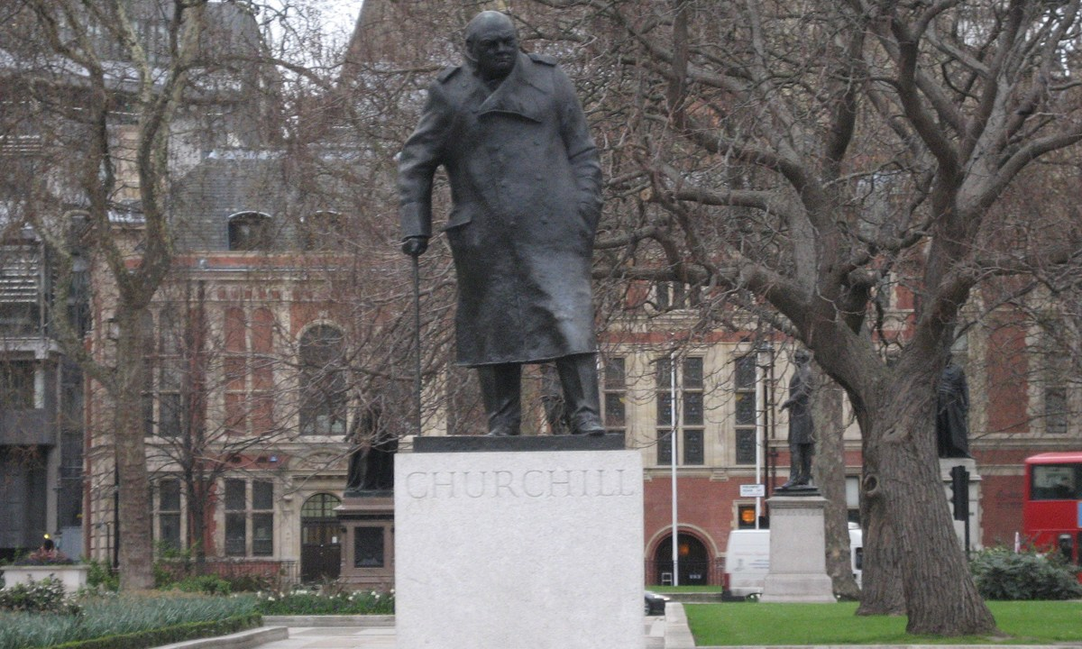 estatua-winston-churchill-racismo-londres