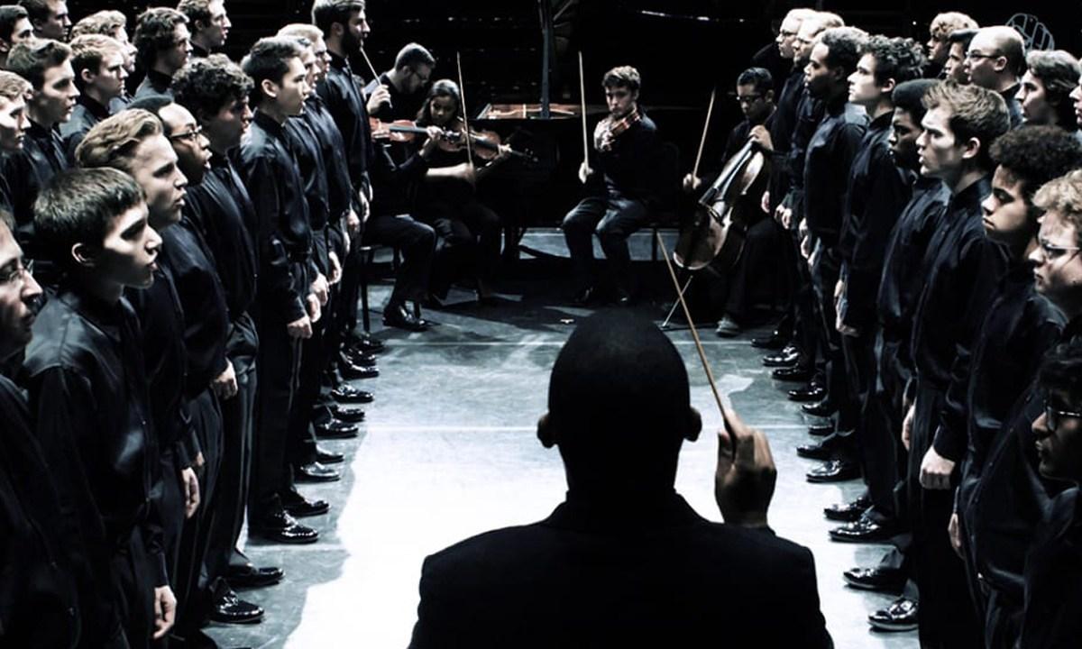 Orquesta interpretando Seven Last Words of the Unarmed, música a últimas palabras de afroamericanos asesinados por la policía