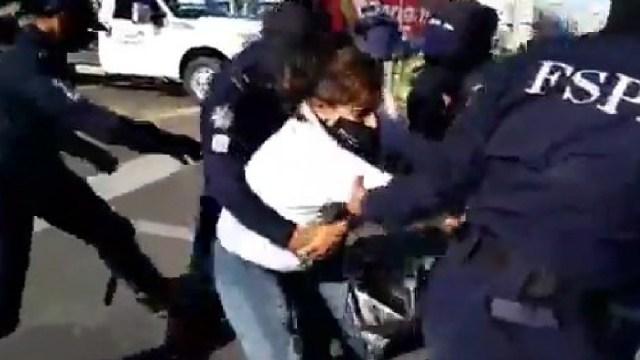 Policías de Guanajauato arrestaron y golpearon a familiares de víctimas