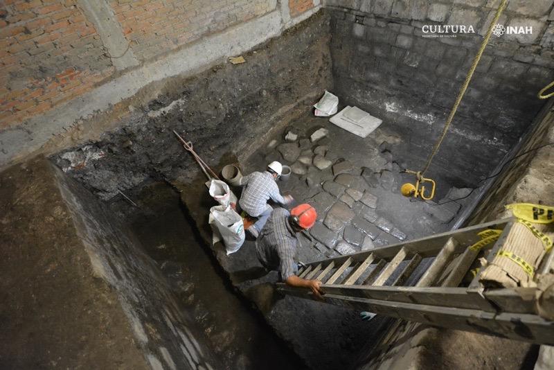 Especialistas del INAH encontraron restos de una casa construida por Hernán Cortés y el palacio de Axayácatl