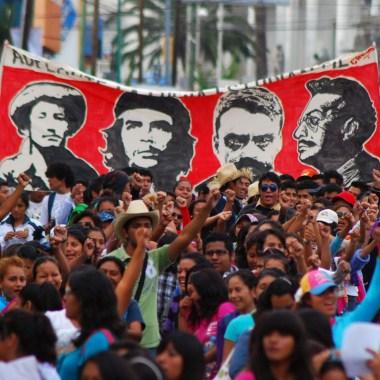 Maestros de Oaxaca rechazan regreso a clases por televisión