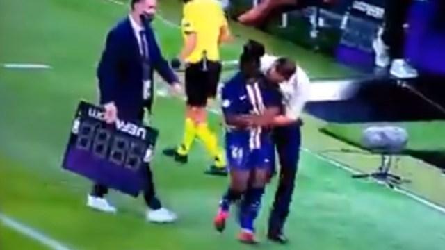 Olivier Echouafni, entrenador del PSG Femenino, fue acusado de hostigamiento sexual tras abrazar a una de sus jugadoras, Captura de Pantalla