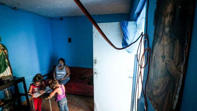 En Coahuila, mujer intentó entregar a sus hijos por no tener qué darles de comer. (Foto: Alejandro Rodríguez / Cuartoscuro)