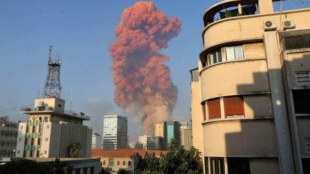 Se registra explosión masiva en Beirut; hay un 'gran número' de heridos