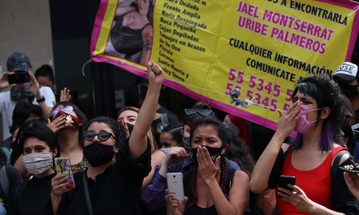 La Comisión Nacional de los Derechos Humanos (CNDH) recibió el pliego petitorio de las colectivas feminsitas