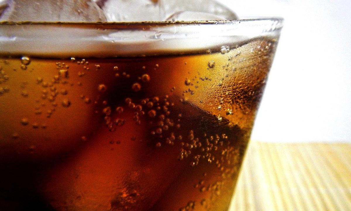 El Congreso de la CDMX busca prohibir venta de refresco a menores y multarán con hasta 11 mil a los establecimientos que lo hagan