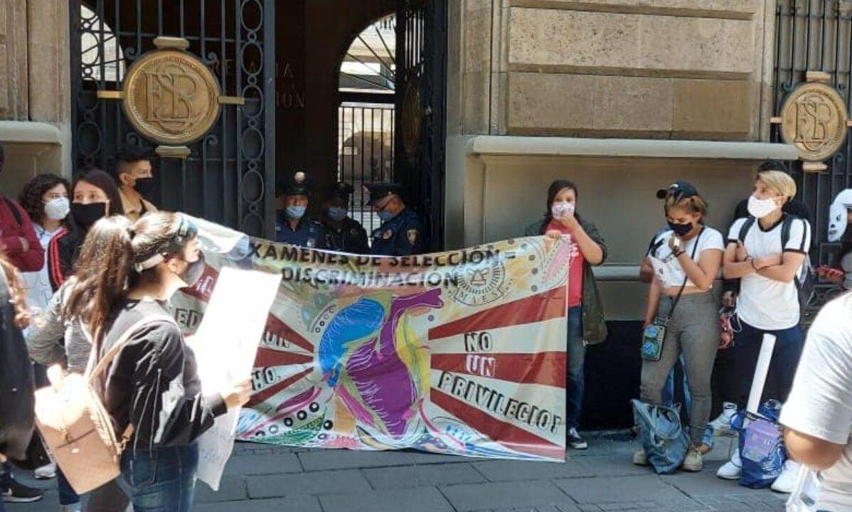Jóvenes rechazados por universidades marchan en CDMX
