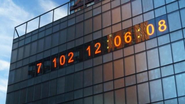 El reloj del cambio climático está en Nueva York y nos indica el tiempo que nos queda para detener sus estragos. Spoiler: No falta mucho
