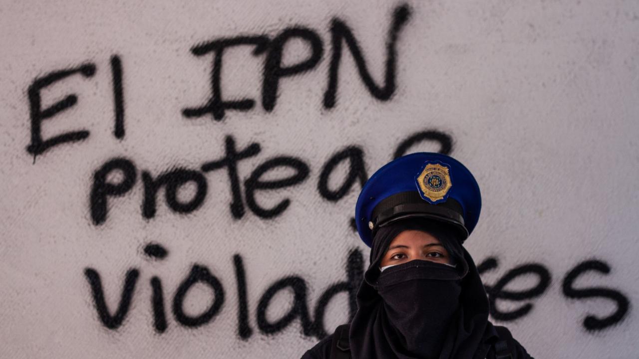 Feministas entregan instalaciones Voca 4 IPN