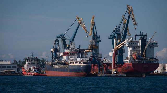 senado avala dictamen control de puertos nacionales a Semar
