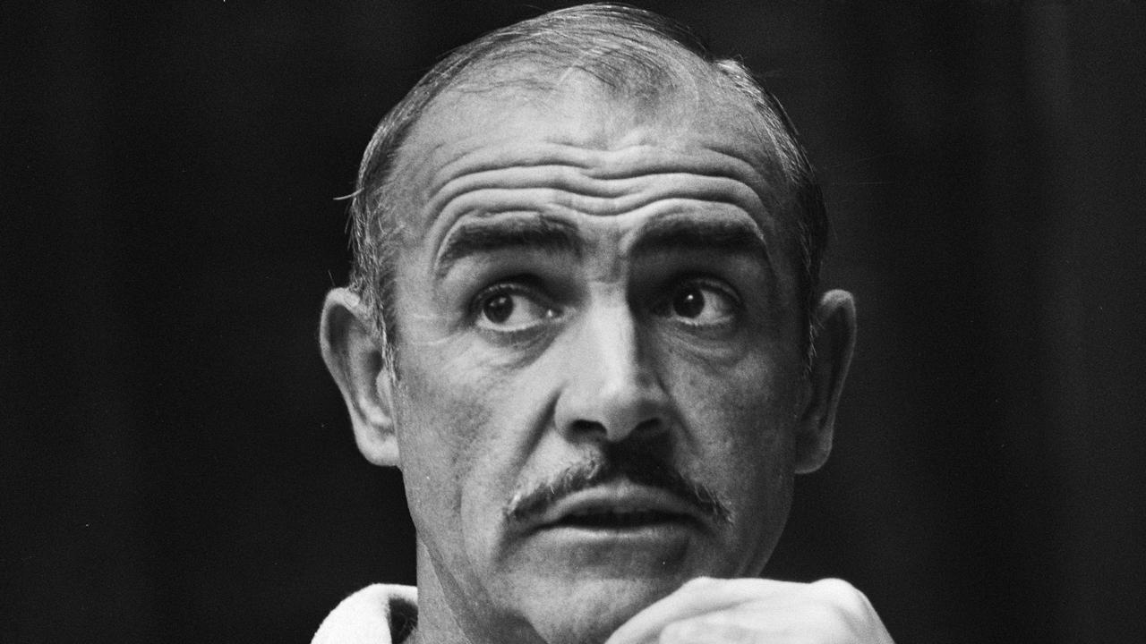 Sean Connery dio una controvertida entrevista a Barbara Walters en la que justificaba la violencia contra las mujeres