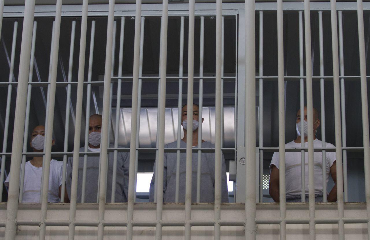 Nuevo León Cárcel COVID-19 Cubrebocas