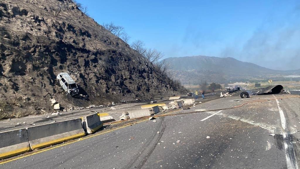 Explota pipa autopista Guadalajara Tepic