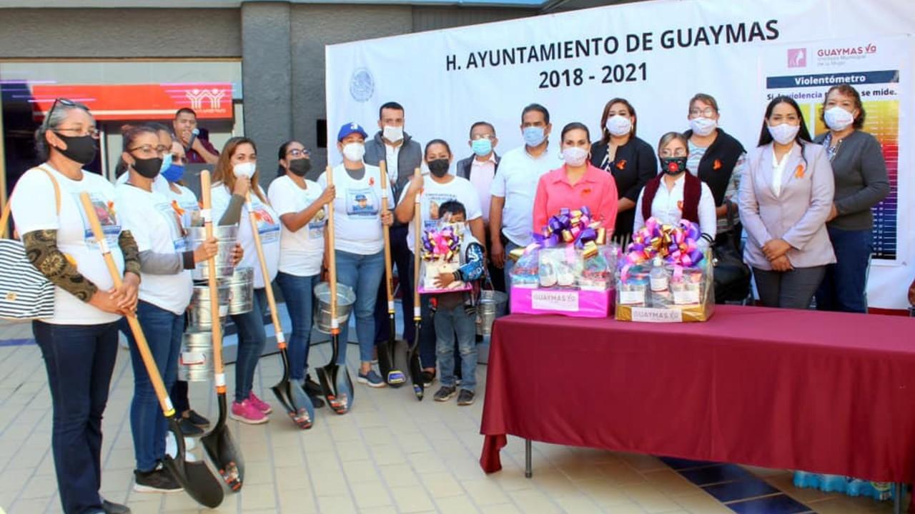alcaldesa Guaymas da palas cubetas mujeres buscan desaparecidos