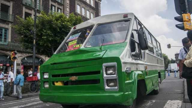 Camioneros quieren cobrar 9 pesos