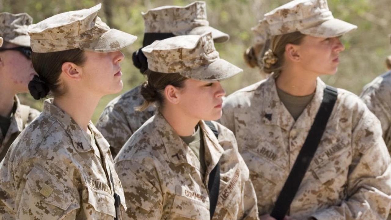 madre soldado violada colegas acusa suicidio su hija porque ejército de EE.UU no hizo nada
