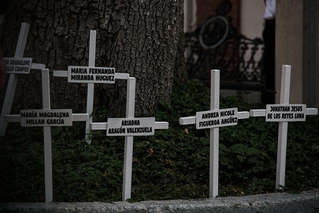 Los padres de los niños fallecidos en la guardería ABC ingresaron por la fuerza a las instalaciones de la Secretaría de Gobernación
