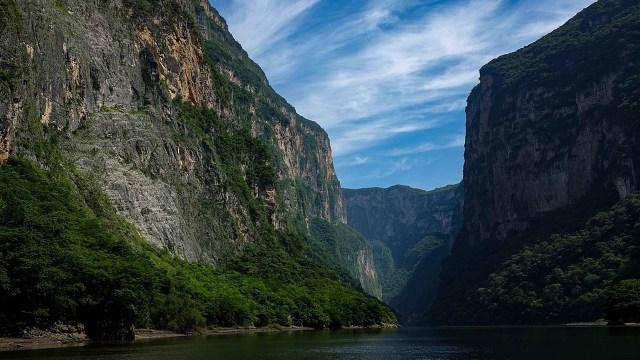 La Comisión Nacional de Áreas Protegidas (Conanp) demandará los responsables de grabar un video sexual en el Cañón del Sumidero