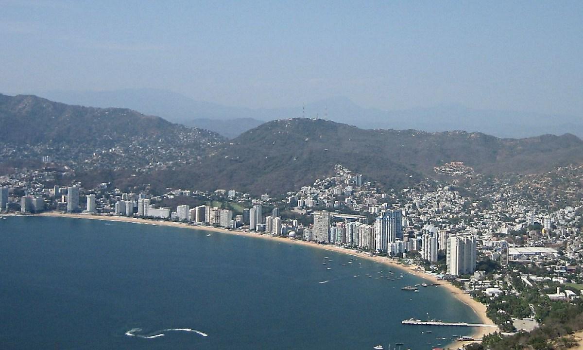 Turista muere ahogado en Acapulco tras salvar a su familia