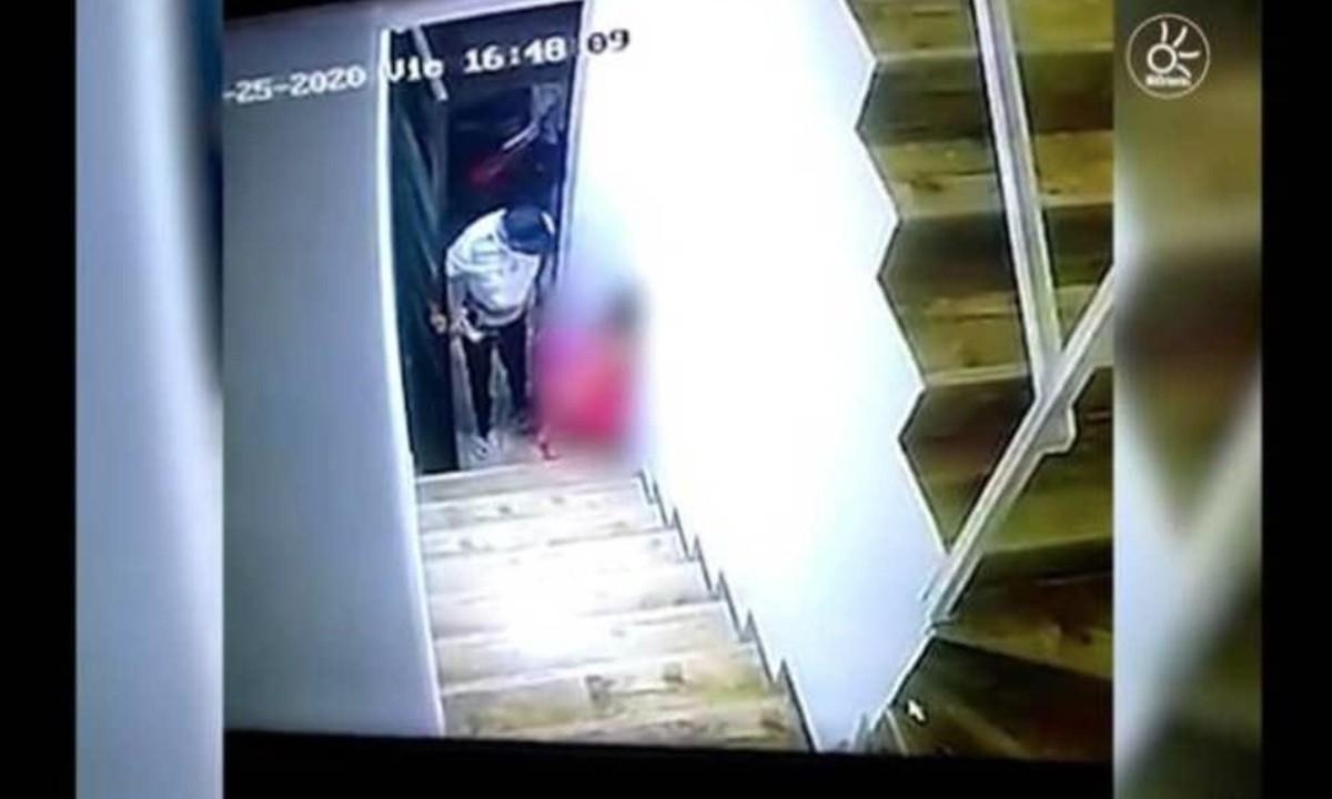 Graban a hombre abusando de una menor de edad [Imágenes fuertes]