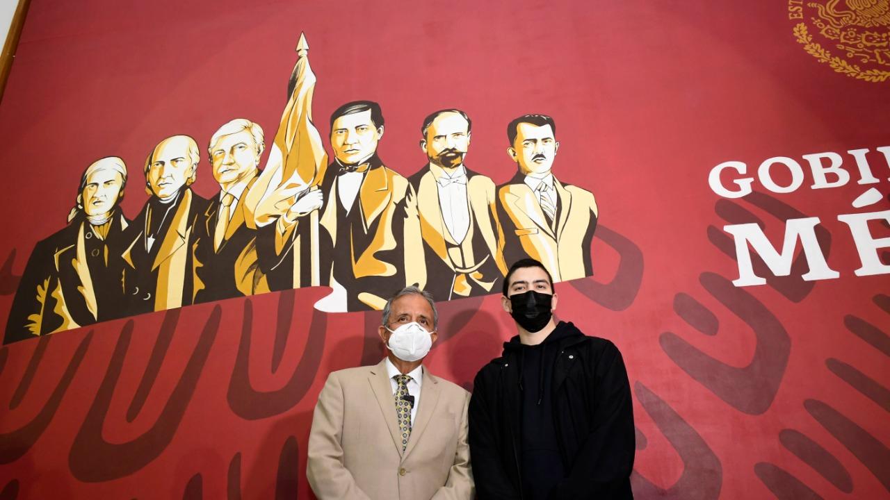 Develan mural en Culiacán de AMLO junto con los héroes patrios