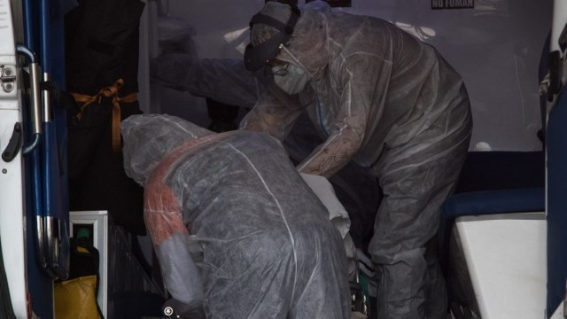 Argentina: científicos prueban que plasma de recuperados reduce síntomas de Covid