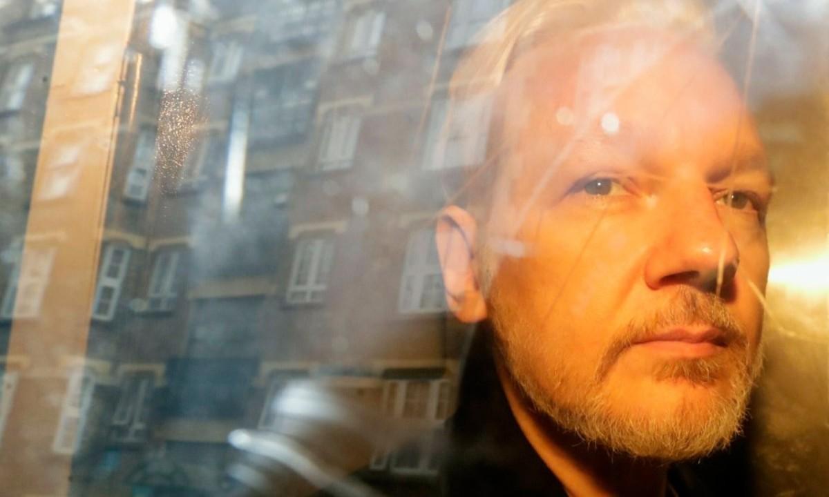 Tribunal británico niega extradición de Assange a EE.UU. temen que se suicide