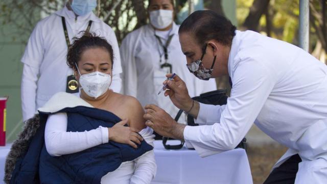 Una enfermera nos contó que se siente vacunarse contra el covid-19