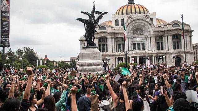 México busca seguir los pasos de Argentina y por eso las legisladoras buscan el aborto legal en todo México