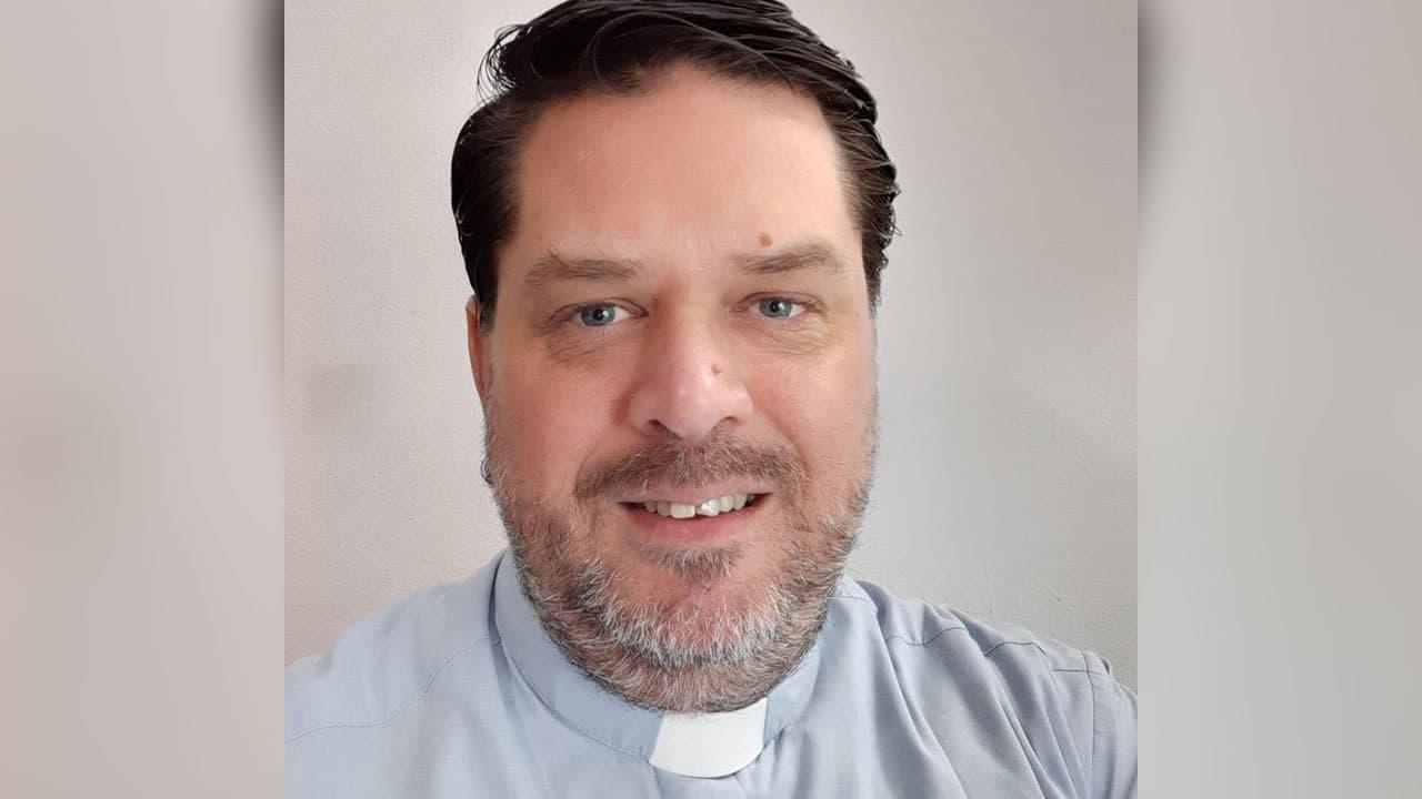 En Argentina, asesinan a pastor evangélico gay. Fabián Kreischer fue atado a su cama y apuñalado hasta la muerte