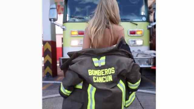 Circula video de Playmate posando en las instalaciones de bomberos de Cancún, corren al director