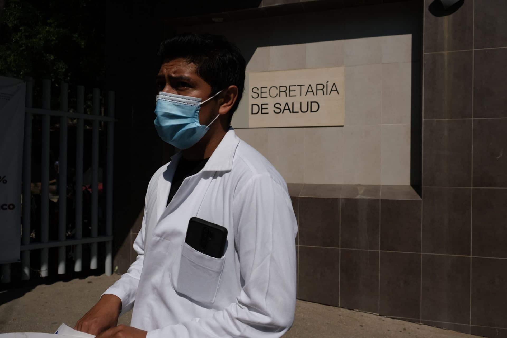 CDMX: Aprueban regreso parcial de estudiantes de medicina a las universidades