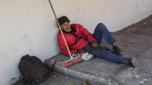 Por pandemia de COVID-19, aumenta el abandono de adultos mayores en el Estado de México, por considerarlos más propensos a enfermarse