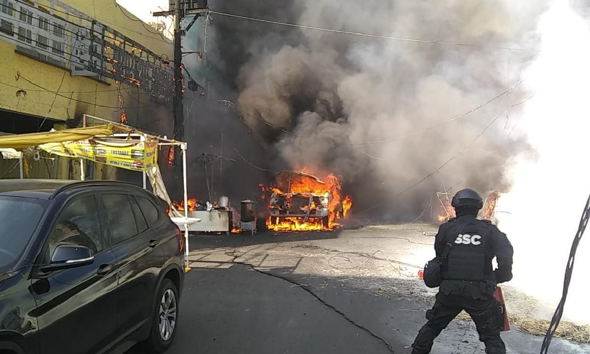 Video: explosión de pipa de gas quema 6 locales en el Mercado Jamaica
