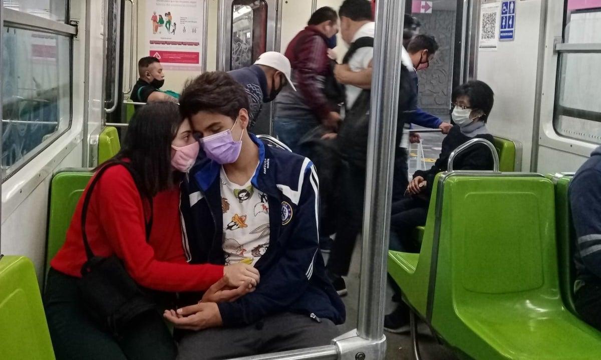 Covid-19 aparta a la parejas, no se besan por temor a contagiarse