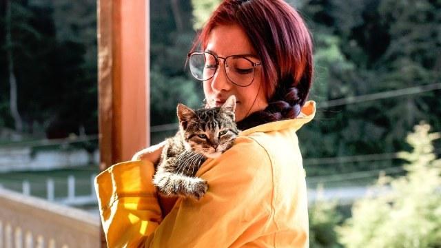 Los millennials prefieren tener plantas o mascotas que hijos